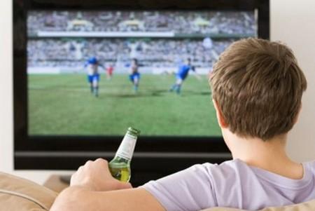 man-watch-TV